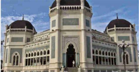 contoh pembangunan masjid yang baik dan benar