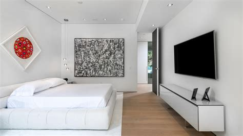 what to put in a bedroom 8 bedroom wall decor ideas to liven up your boring walls