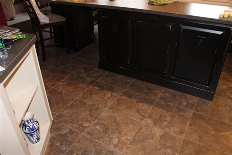 luxury vinyl tile flooring   luxury vinyl floor