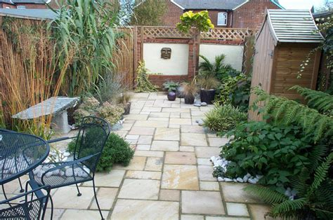 Patio Designs For Small Gardens Small Garden Design Learn 5 Simple Tricks Professional Designers Use