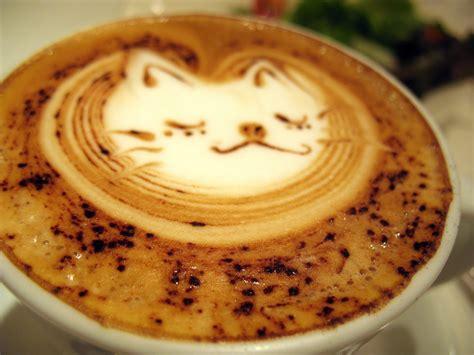 milk design on coffee hanan decor latte art