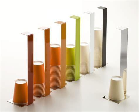 porta bicchieri di plastica la tavola hi tech casa design