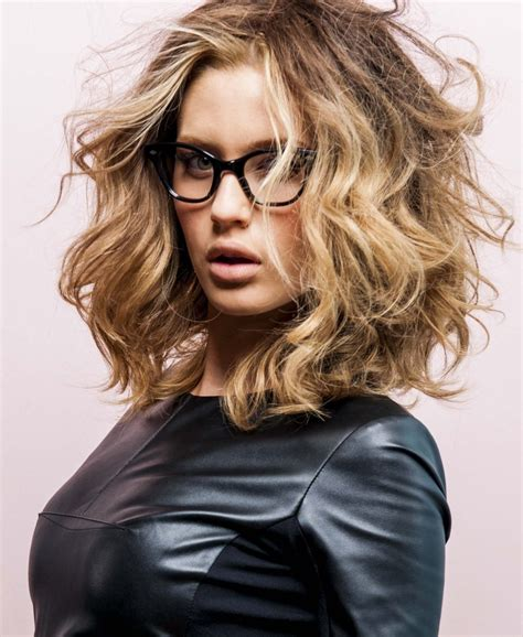 hairstyles for large glasses 65 medium hairstyles internet is talking about right now