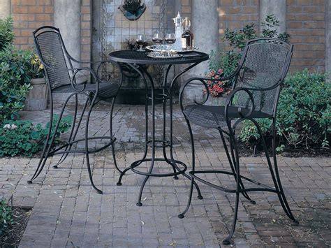 wrought iron bistro table and chairs woodard aurora wrought iron 30 round mesh top bar height