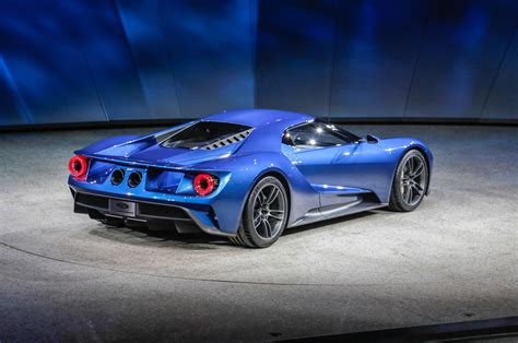 2015 Ford Gt by Ford Gt At 2015 Detroit Auto Show Rear Three Quarter 03