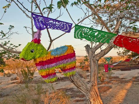 How To Decorate A Pinata by How To Make A Pi 241 Ata Hgtv
