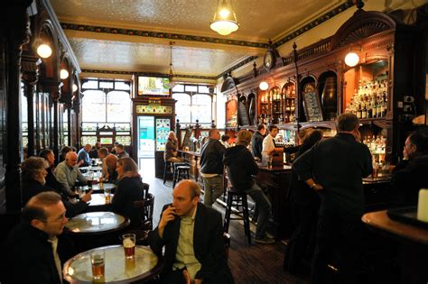 top bars edinburgh edinburgh s best whisky bars bars pubs time out