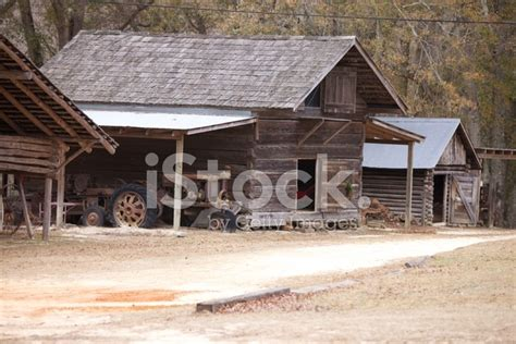 old log barn stock photos image 16113943 old log barn stock photos freeimages com