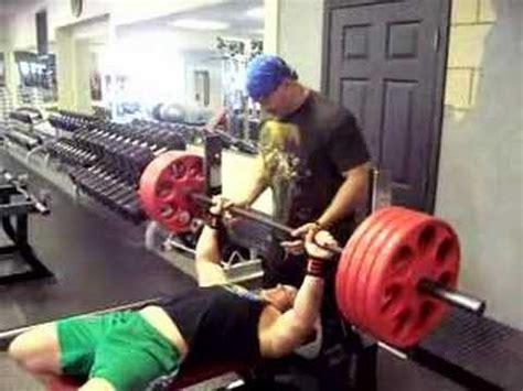 rock bench press how do you bench press 405lbs for reps youtube