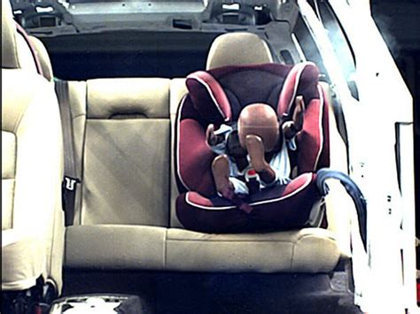 when to transition to forward facing car seat car accidents and car seats