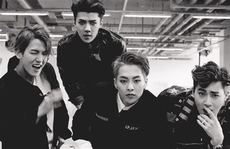 Exo Me Right K Ver Xiumin Pc baekhyun sehun xiumin suho gif call me baby exo baekhyun suho and sehun