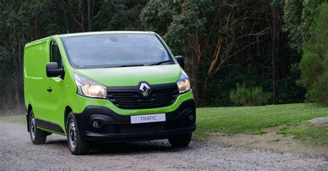 renault trafic 2017 2017 renault trafic gets power boost and a limited