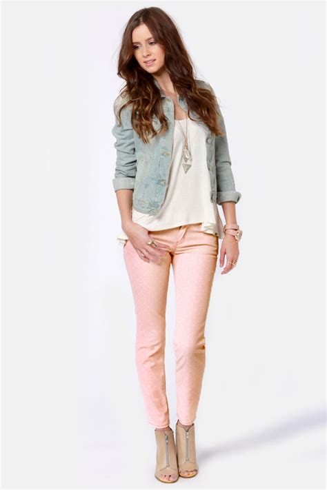 what to wear with light pink pants quiksilver tama crop jeans peach polka dot jeans