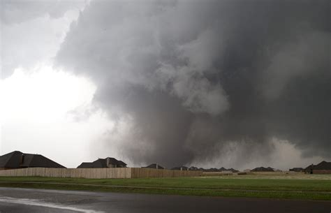 Search Oklahoma Oklahoma Tornado Kills At Least 24 Search For Survivors Continues