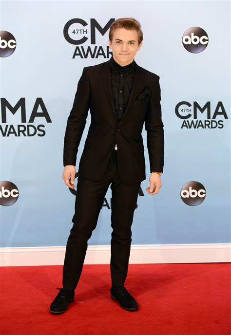 Kellie Pickler And Hunter Hayes Performing 2013 Cma Awards Street Party | cma awards 2013 best and worst dressed taylor swift