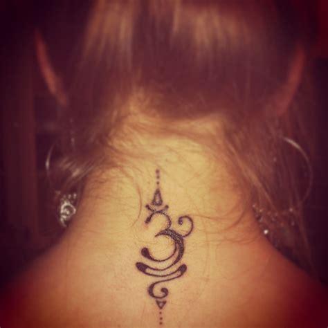 Tattoos Für Frauen Am Handgelenk 3294 by Hindu Om To Bring Peace And Happiness S