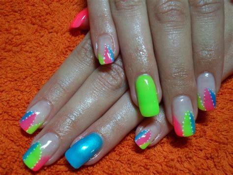 bright pattern nails bright colors nail art nails by me pinterest nail