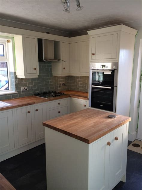 Mr Seconds Kitchen Cabinets Second Nature Milton Alabaster With Oak Worktops