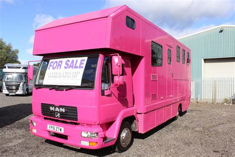 Wash Basin Stand by Pink 7 5 Ton Horsebox For Sale Worcestershire Kidderminster