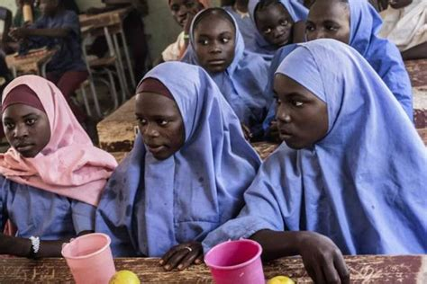 naija school girls she was kidnapped by boko haram and escaped this is her
