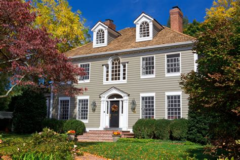 colonial home styles house styles what is the difference holloway