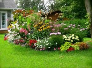 Délicieux Modele De Parterre Exterieur #3: Gartengestaltungsideen-anlegen-bilder-modern-blumenbeet.jpg