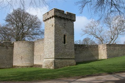 curtain wall on a castle curtain wall croft castle c philip halling geograph