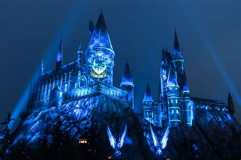 hogwarts light orlando universal studios casts a dazzling spell on the