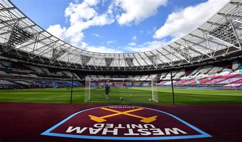 fly  flags  london stadium west ham united