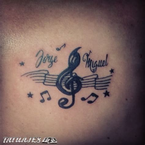 imagenes tatuajes hijos tatuajes de nombres de hijos en el pecho