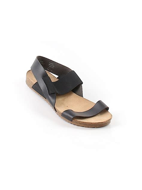 mossimo black sandals mossimo supply co sandals 70 only on thredup
