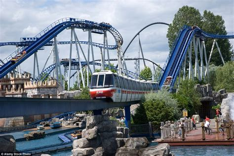 theme parks in paris the world s 25 most popular theme parks including disney s