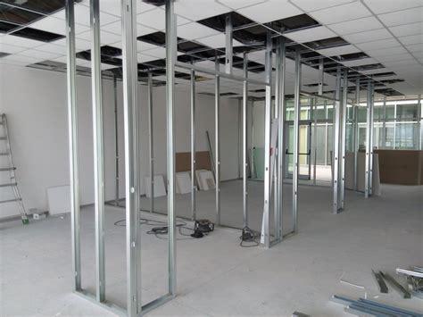 struttura cartongesso soffitto creazione uffici in fondo commerciale idee imbianchini