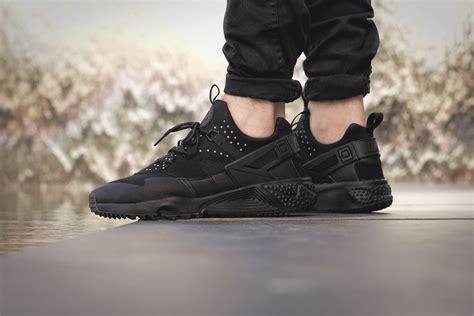 Nike Huarache Black by Nike Air Huarache Utility Black On Foot Look The Sole