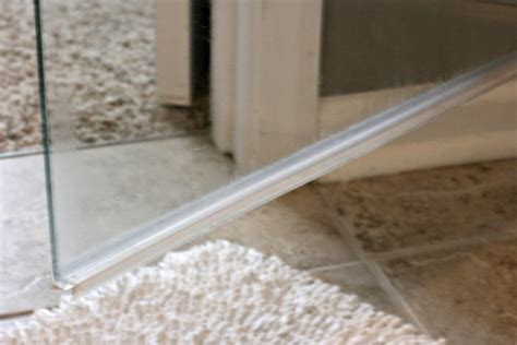 Shower Door Bottom It S Easy To Clean Clean The Glass Shower Door Plastic