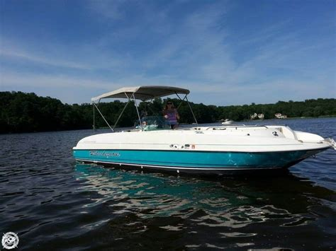 bayliner fishing deck boat 1996 bayliner 2659 rendezvous detail classifieds