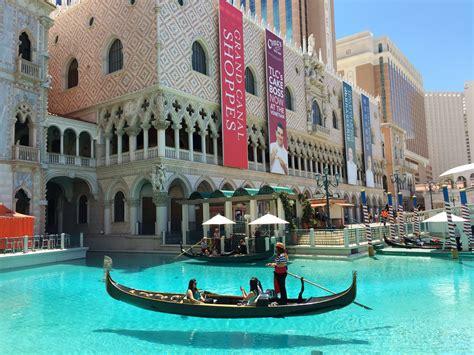the five best non casino hotels in las vegas hopper blog venetian hotel casino review celebrity radio by alex