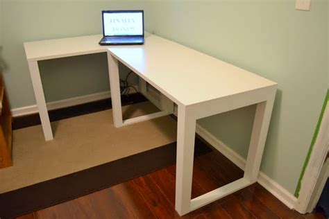 Easy Diy Craft Desk The Ugly Duckling House Simple Diy Desk
