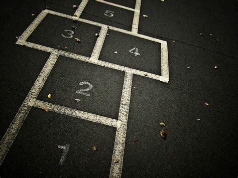 imagenes de niños jugando la rayuela rayuela highway