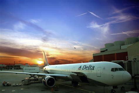 pilotjobs delta to set pace for 3q airline profits