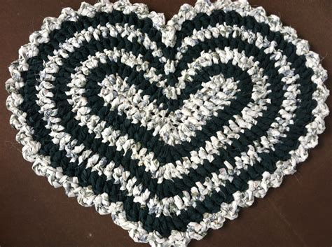 Heart Pattern Rugs | crochet heart original rag rug pattern