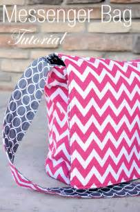 Easy tote by crazy little projects