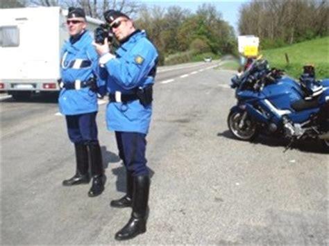 Motorrad Fahren Mit Autoführerschein Strafe by Bussgelder Und Strafen F 252 R Zu Schnelles Fahren In Frankreich
