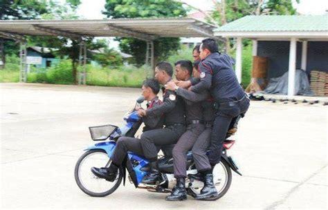 Motorrad Fahren Ab 25 ab 25 dezember 1 000 baht strafe f 252 r fahren ohne helm in