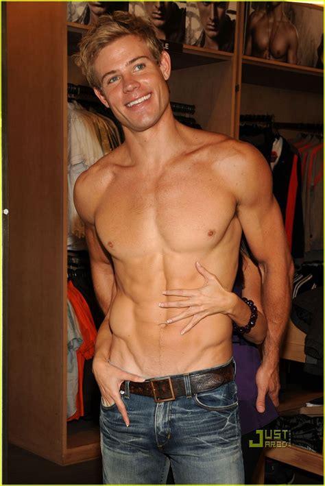 Omg He S Naked Trevor Donovan Omg Blog The