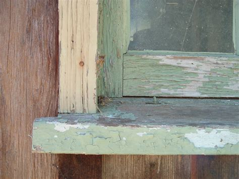 Window Sill Paint How To Fix Peeling Paint On A Window Sill Ehow Uk