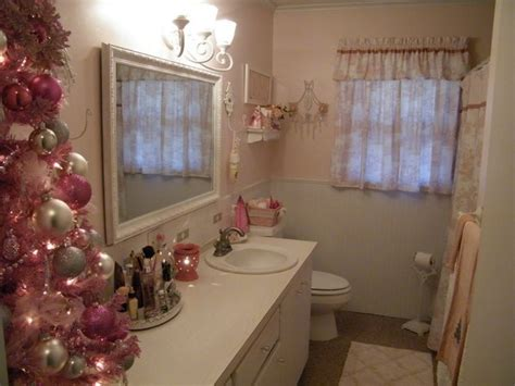 how to decorate your bathroom for christmas how to decorate your bathroom for christmas room