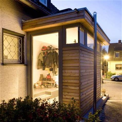 windfang hauseingang geschlossen anbau blick zur stra 223 e modern dormer exterior