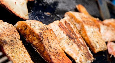comment cuisiner plancha cuisson du poisson 224 la plancha maison travaux