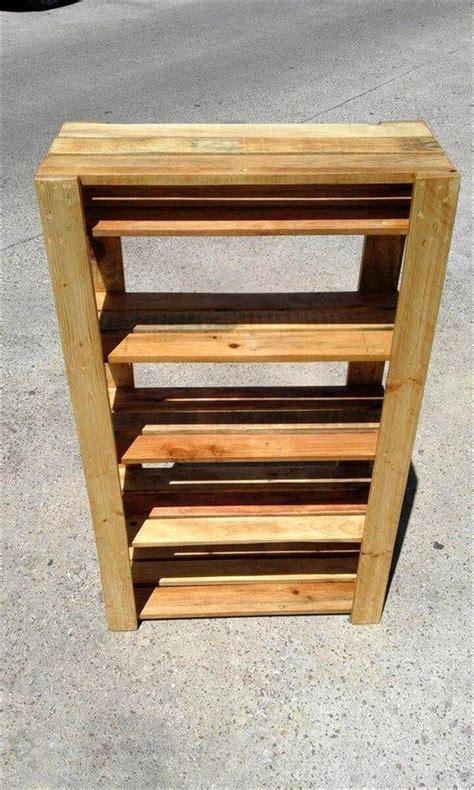 easy to make pallet shoe rack 99 pallets